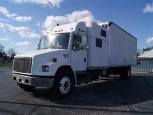 freightliner fl80 2001 white box truck w sleeper diesel