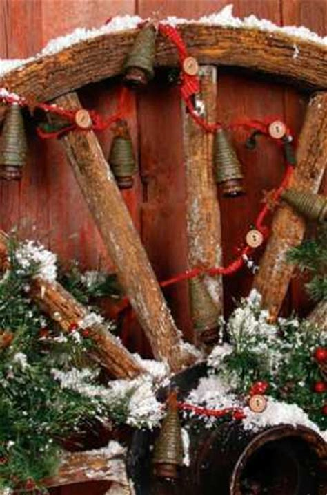 primitive spindle christmas tree button garland