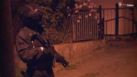 wohnungen in pritzwalk und umgebung terrorverdacht polizist soll mordanschl 228 ge auf linke