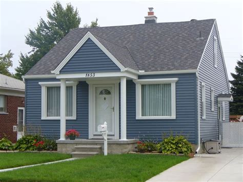 blue house siding 25 best ideas about blue vinyl siding on pinterest home siding vinyl siding colors