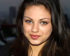 2 different eye colors mila kunis