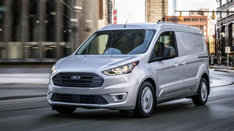 2019 Ford Transit by 2019 Ford Transit Connect Cargo Works The Crowd In
