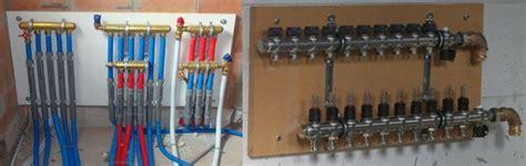 vloerverwarming badkamer stuk plaatsen verwarmings en water leidingen voorbereidingen na