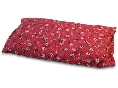 cuscino noccioli di ciliegia cuscino con noccioli di ciliegia un rimedio per i malanni