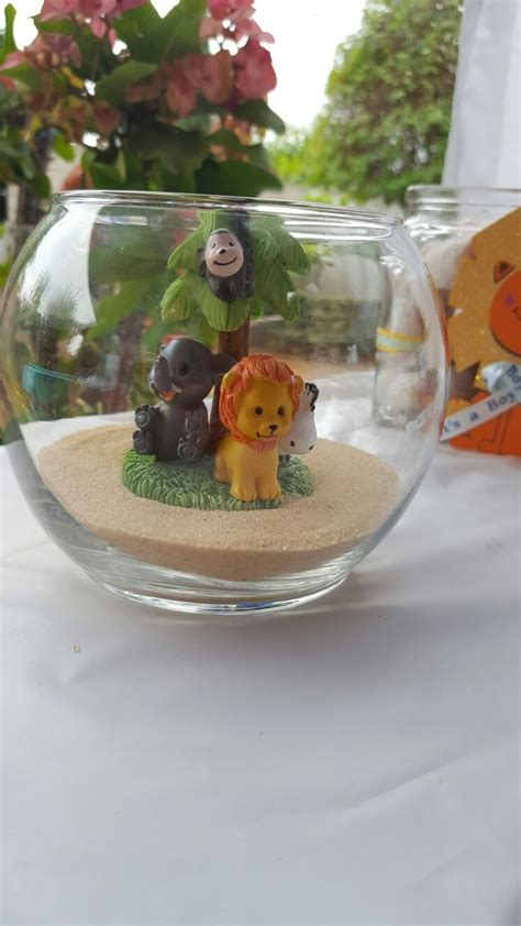 Safari Centerpieces For Baby Shower by Best 25 Safari Centerpieces Ideas On Diy Jungle Birthday Decorations Safari Theme