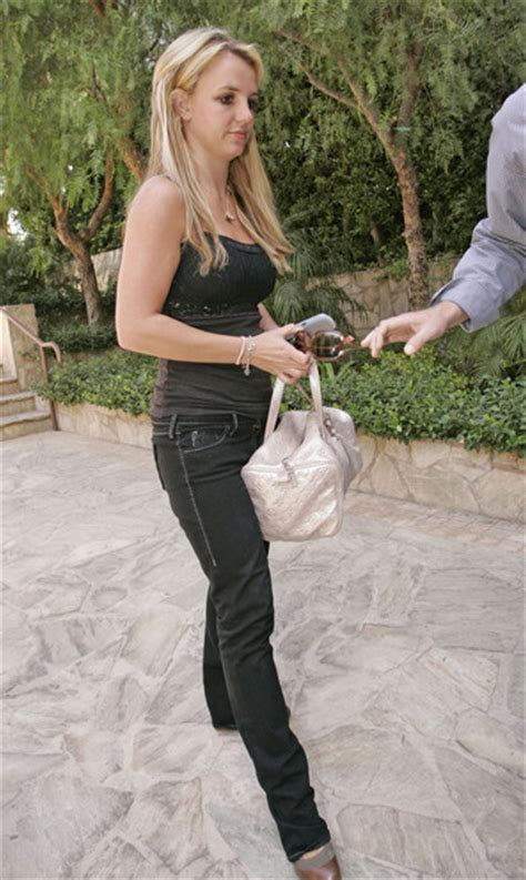 Style Britneys Bag by More Pics Of Leather Shoulder Bag 12 Of 12