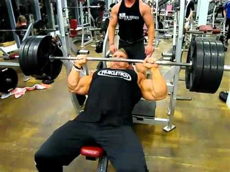 jay cutler bench press jay cutler training in iceland making the weights feel