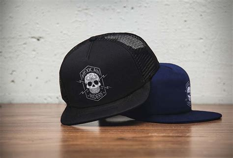 Sale Topi Snapback Jaring caps logo mockup mockupworld