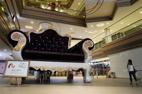 worlds largest couch 世界最大沙发world s biggest sofa