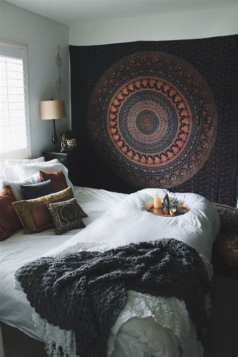 25 best ideas about tapestry bedroom on