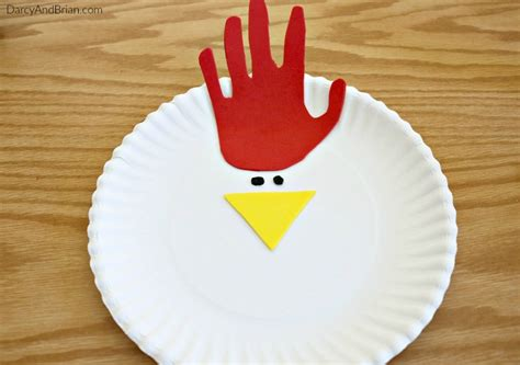 Paper Plate Chicken Craft - tracing chicken paper plate craft