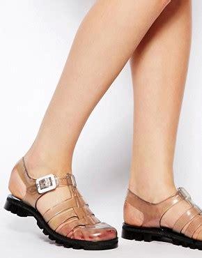 toki buni summer jelly sandal trend