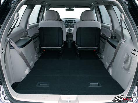 Cars Modiification: Mitsubishi Grandis Review
