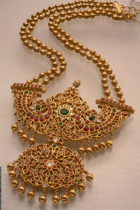 indian jewellery and clothing temple jewellery from