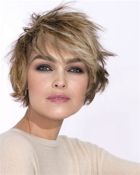 womans hairstyles for small faces hey ladies best 13 short haircuts for round faces