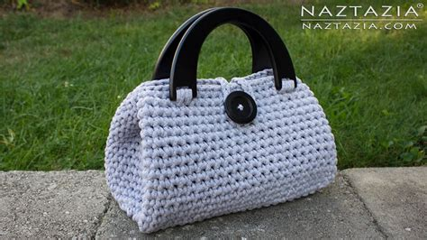 Make Jealous With A Handknit Knitting Bag Clutch Fashiontribes Fashion by Diy Tutorial Crochet Easy Casual Friday Handbag With