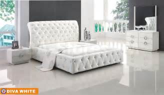 Bed And Bedroom White 5 Pc Bedroom Set Bed 2 Nightstands Dresser