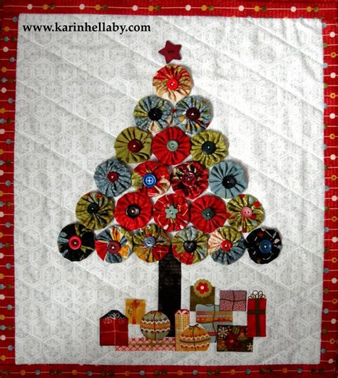 christmas tree quilt pattern moda quilt inspiration free pattern day christmas quilts