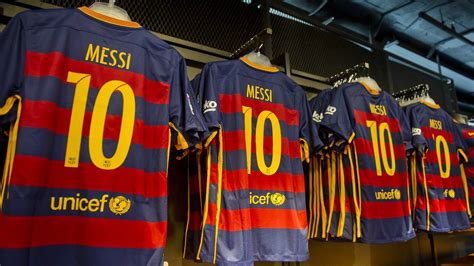 Jersey Sepakbola Barcelona L 10 Messi revolutionary fc barcelona 15 16 kits released footy headlines
