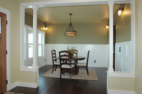what paint color is in the dining room