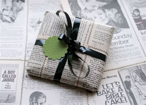 wrapping a gift gift wrapping ideas 13 unusual ways to package presents