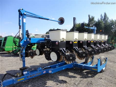 Kinze Corn Planter 2014 kinze 3500 planting seeding planters deere machinefinder