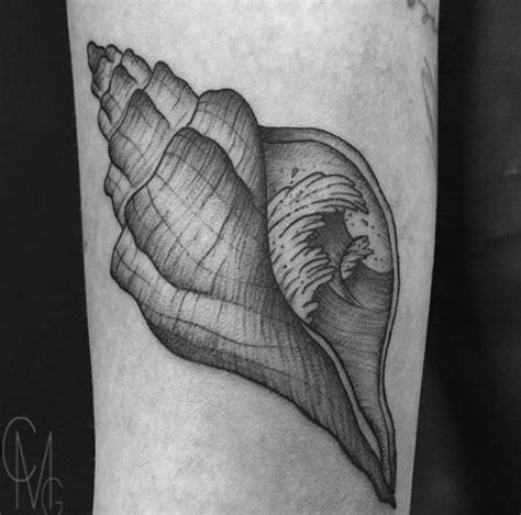 conch shell tattoo designs 45 beautiful seashell tattoos you ll tattooblend