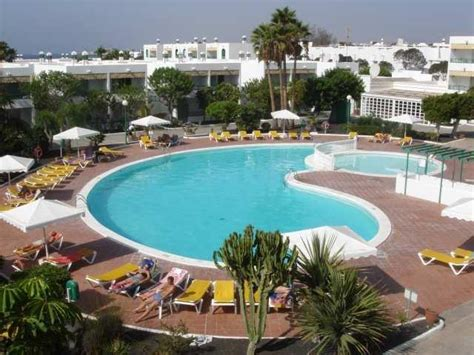 oasis appartments oasis lanz club apartments costa teguise lanzarote canary islands book oasis lanz