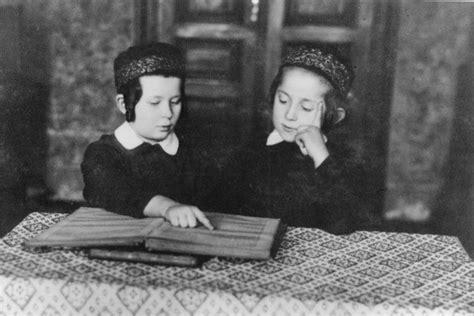 hasidic wedding scandals young jewish boy hasidic two young jewish hasidic boys
