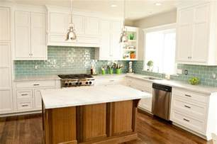 Kitchen White Backsplash by Gallery For Gt Kitchen Backsplash Glass Tile White Cabinets