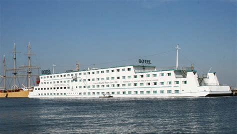 hotel on a boat amsterdam amstel botel in amsterdam amsterdam hotels