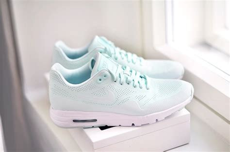 Nike Airmax 90 Pink Tosca cool favorite nike other shoes tosca