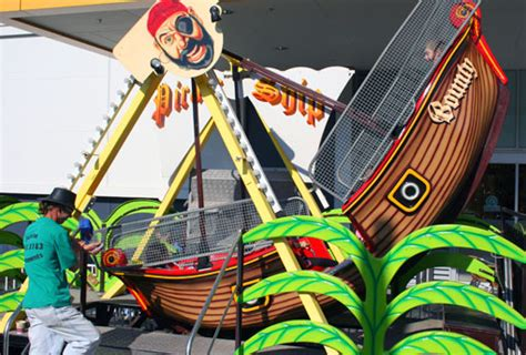 swinging ship amusement rides for hire