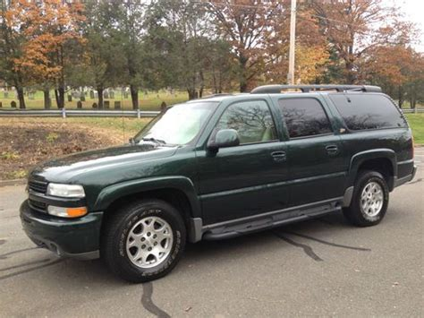 buy used 2001 chevy suburban z71 package 4x4 3rd row