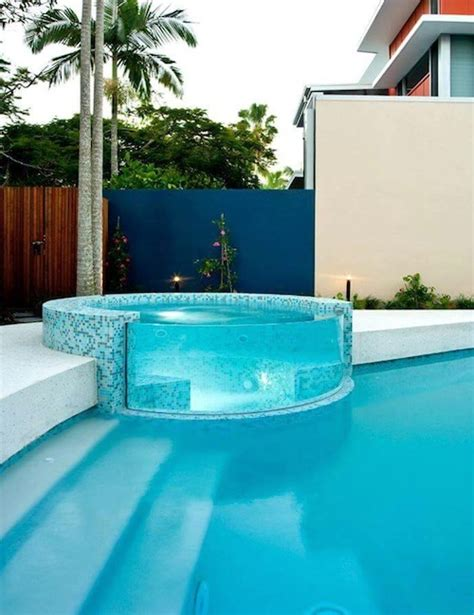 Glas Pool by 3 Cool Ways To Incorporate Glass Into Your Pool Area