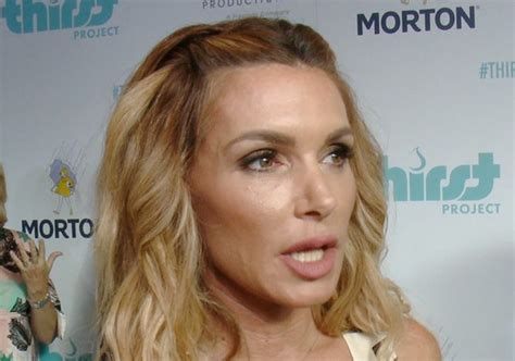 what was the women on rhbh tslking about lisa husband exclusive eden sassoon facing the rhobh women animals