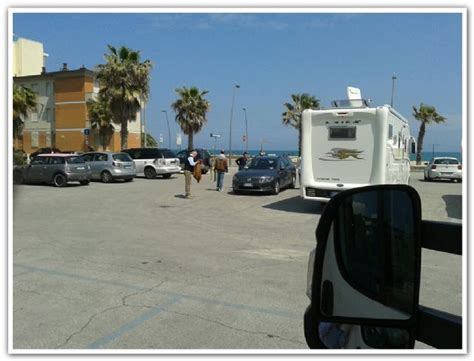 cing a porto recanati area sosta cer parcheggio porto recanati marche italia