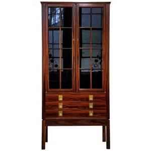Lighted Console Curio Cabinet Rosewood Lighted Curio Cabinet By Torbj 248 Rn Afdal