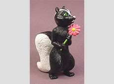 "Over The Hedge Stella The Skunk PVC Figure, 3 1/2"" tall ... Over The Hedge Squirrel"