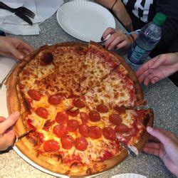 Durham House Of Pizza 43 Reviews Pizza 40 Main St Durham Nh United States