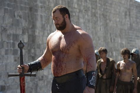 of thrones the mountain loses arm battle