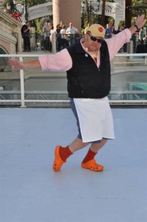 Mario Batali Really His Crocs by Haute Event Mario Batali Serves Up Pizzas At The Venetian
