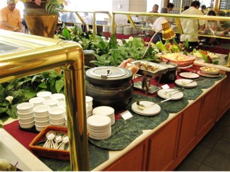 Prince Court Buffet Dinner At The Hawaii Prince Hotel Hawaii Prince Hotel Buffet