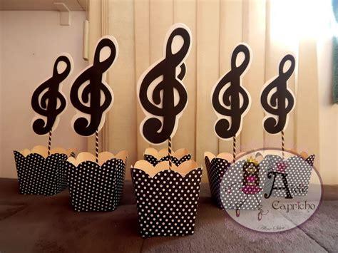 centros de mesas de notas musicales para 15 centro de mesa festa anos 60 pesquisa google tema
