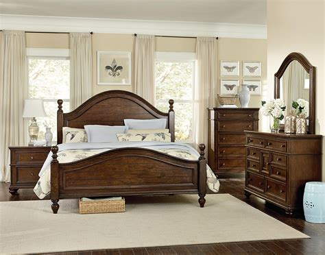 Poster Bedroom Sets by Heritage King Poster Bed With Curved Headboard And