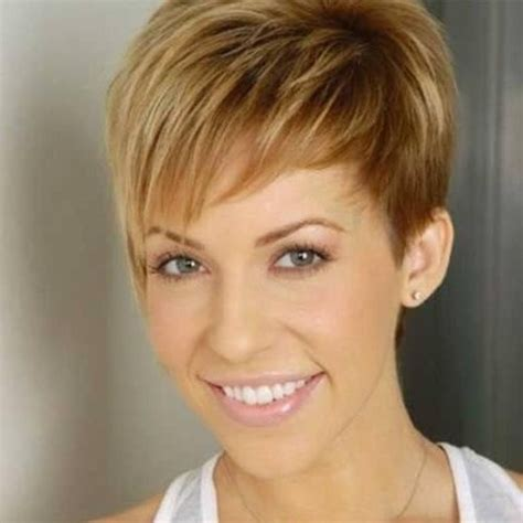low maintence short hairstyles women in thwere 50 2018 latest low maintenance short haircuts for thick hair