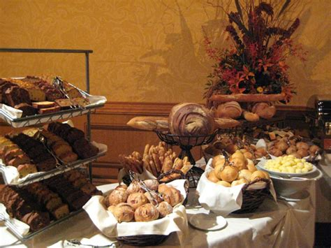 thanksgiving day dining guide  disneyland resort
