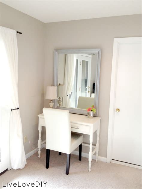 Vanity Area In Bedroom | livelovediy master bedroom updates