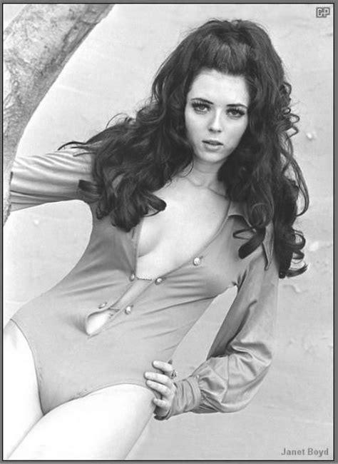 70s bun hairstyles image gallery seventies hairstyles