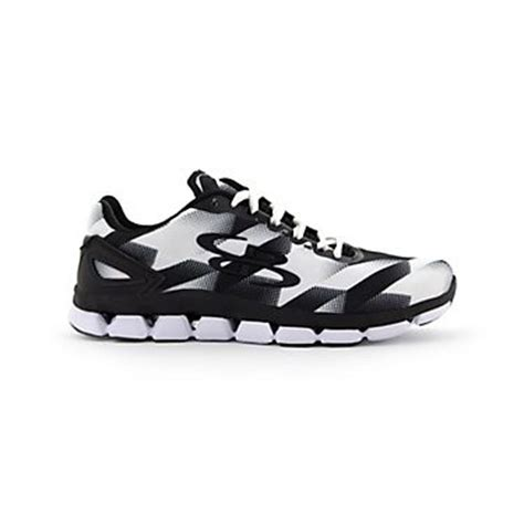 boombah s limitless houndstooth shoe she